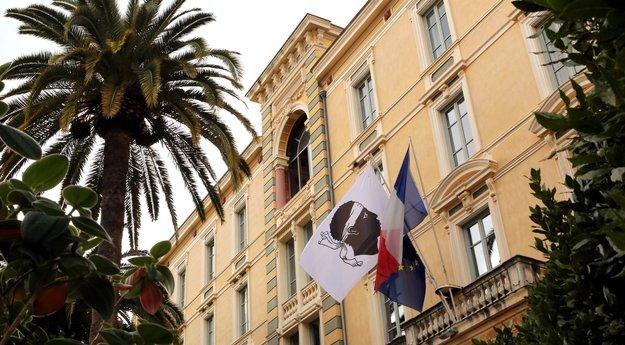 La Commission pour l'évolution statutaire de la Corse