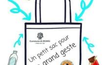 """Opération """"sacs solidaires pour les étudiants"""""""