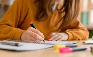 Etudiants, faites votre pré-demande en ligne pour bénéficier des aides à la réussite et à la vie étudiante pour l'année scolaire 2019-2020